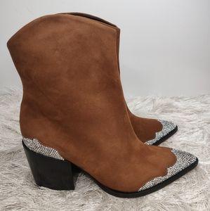 New Schutz Cowgirl Boot sz 7.5